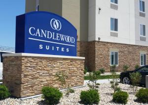 Candlewood Suites - stone